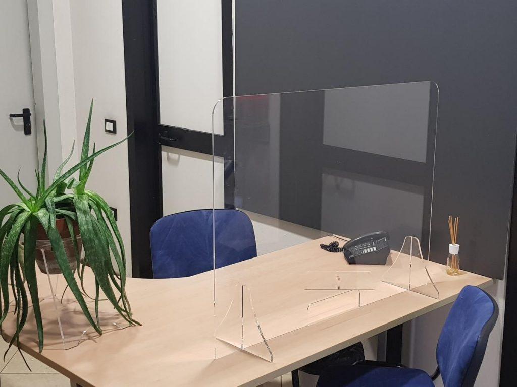 parete protettiva plexiglass